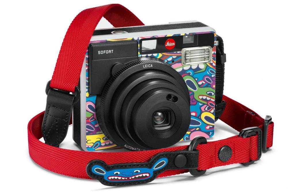 Leica-Sofort-LimoLand-with-Strap-1512x1008-BG-ffffff_teaser-1316x878